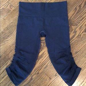 Lululemon - in the flow - crop leggings